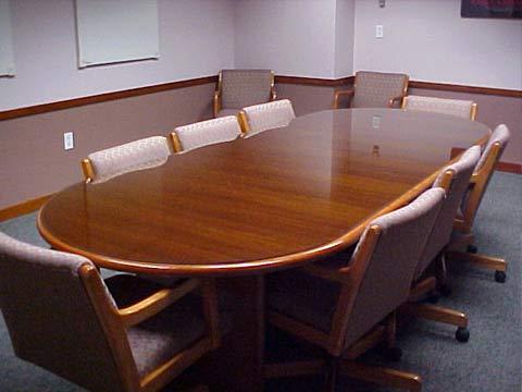 meja-rapat-klasik