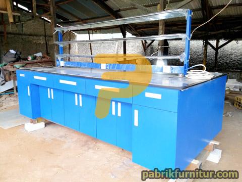 Meja Laboratorium Island Bench 2